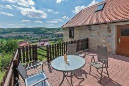 Terrasse am Ferienhaus im Weinberg Freyburg